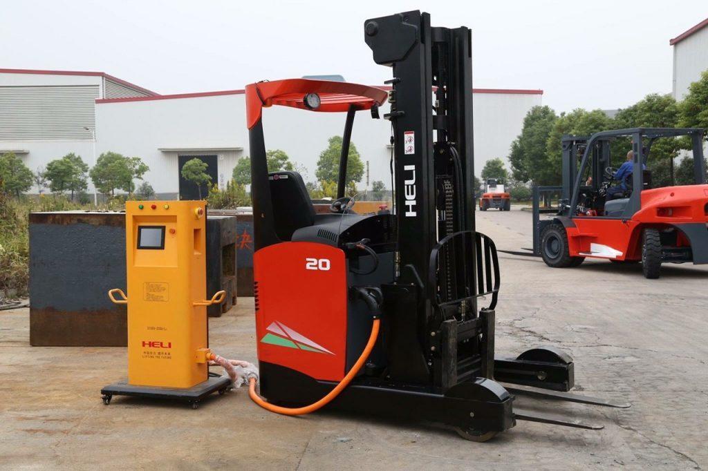 Xe nâng điện Heli reach truck Lithium